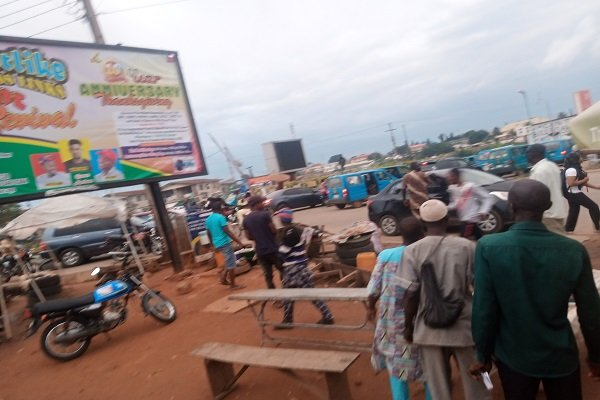 BREAKING: Youth on Riot in Osogbo Over Alleged Police Killing